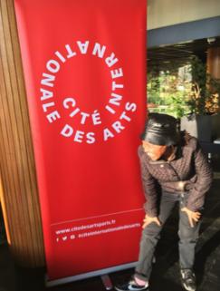 Arrivée de Malebona Maphutse à la résidence Cité Internationale des Arts de Paris.